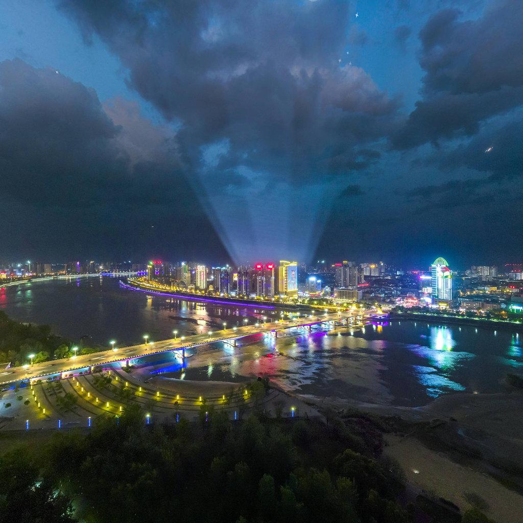 天汉长街夜景